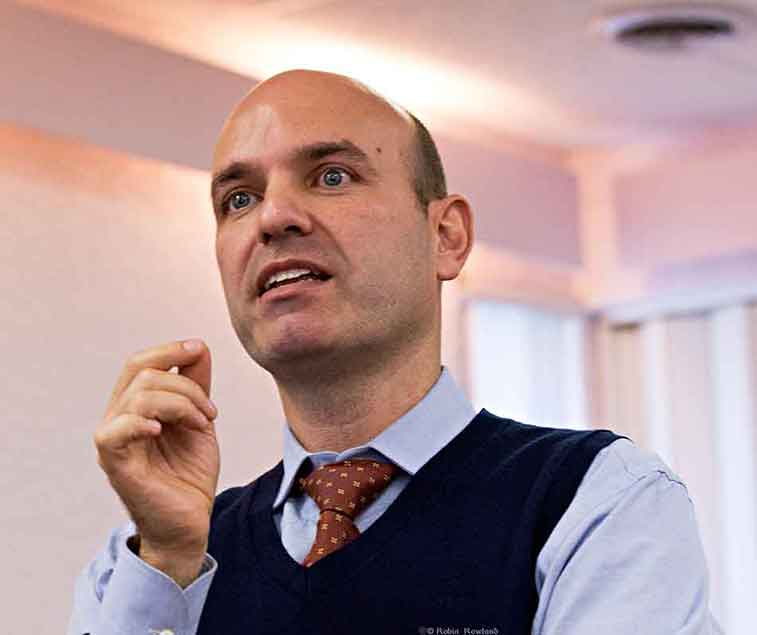 Nathan Cullen, NDP Member of Parliament for Skeena Bulkley Valley, speaks to an audience during a campaign stop in his campaign for the leadership of the New Democratic Party, in Kitimat, BC, Nov. 11, 2011. (Robin Rowland)