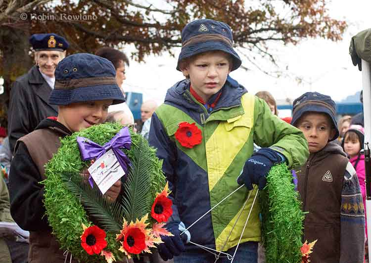 Cubs lay wreathes.