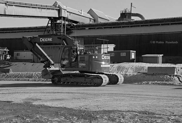 Construction equipment at the RTA KMP site Robin Rowland