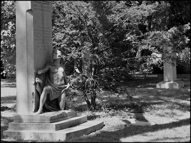 H.L Crowe memorial