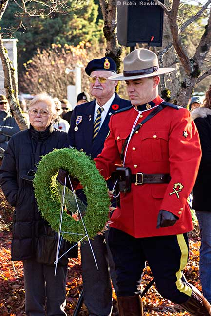 RCMP lay wreath