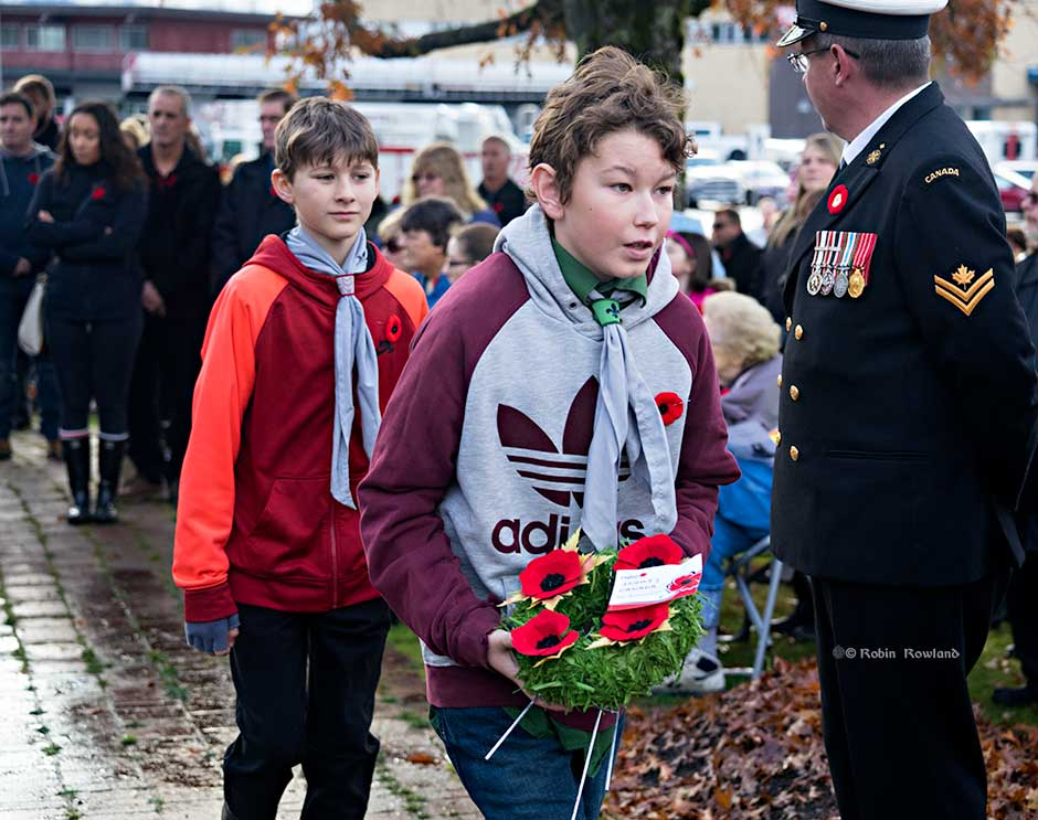 Two Boy Scouts prepare to lay a wreath during the Remembrance Day service in Kitimat, Nov. 11, 2016. (Robin Rowland)