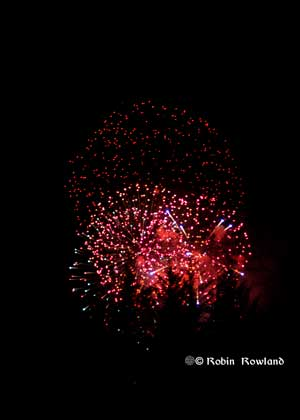 300-fireworks3.jpg