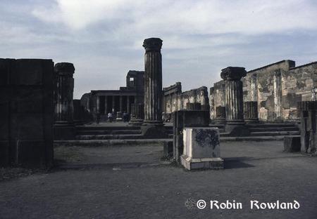 63-pompei_forum-thumb-450x312-62.jpg